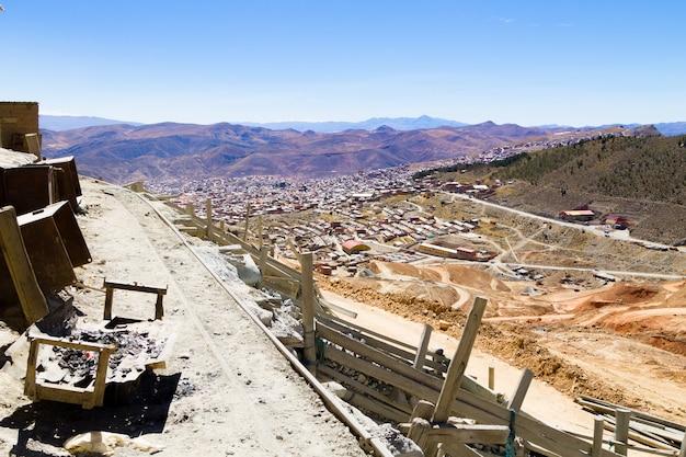 Vista aerea di potosi, bolivia. città mineraria boliviana