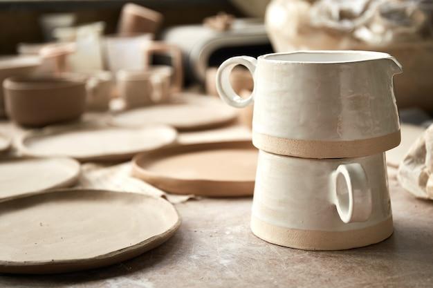 Pottery studio il processo di creazione della ceramica