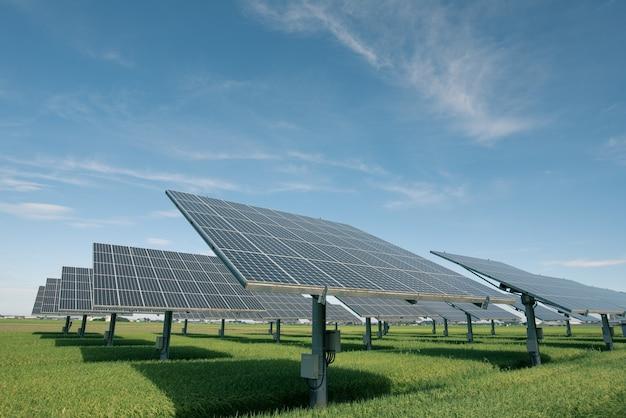 Centrale elettrica che utilizza energia solare rinnovabile