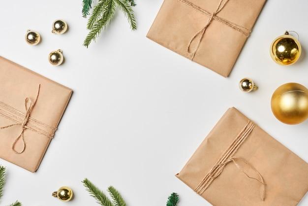 Preparare i regali di natale con la carta artigianale a casa