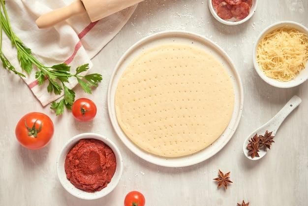 Preparare pizze singole da pizzeria