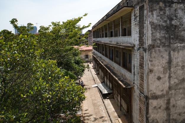 Prison cell di s21 la famigerata prigione di tortura dei khmer rossi a phnom penh in cambogia. la scuola della facciata