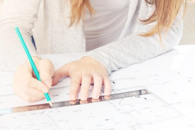Produzione di modelli architettonici e costruttivi basati su progetti in uno studio di architettura