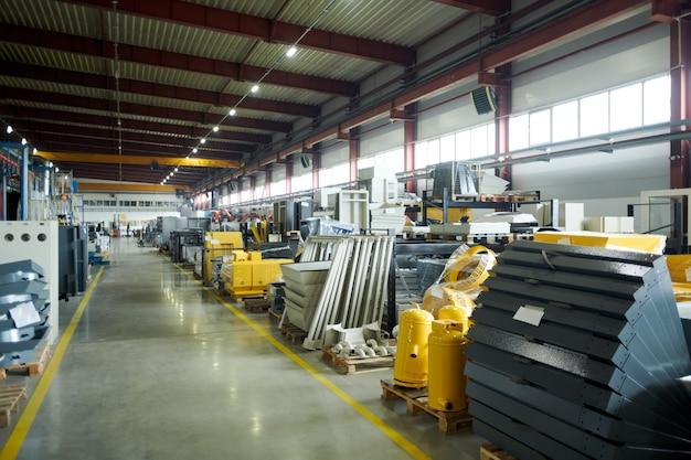 Sala di produzione della fabbrica moderna