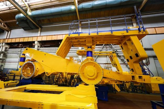 Linea di produzione per veicoli di grandi dimensioni nello stabilimento