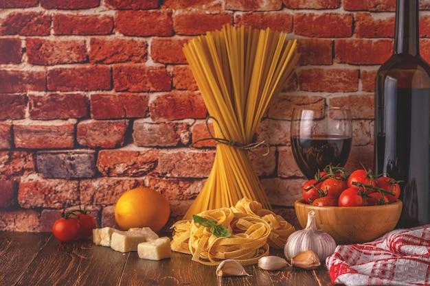 Prodotti per cucinare cibo italiano