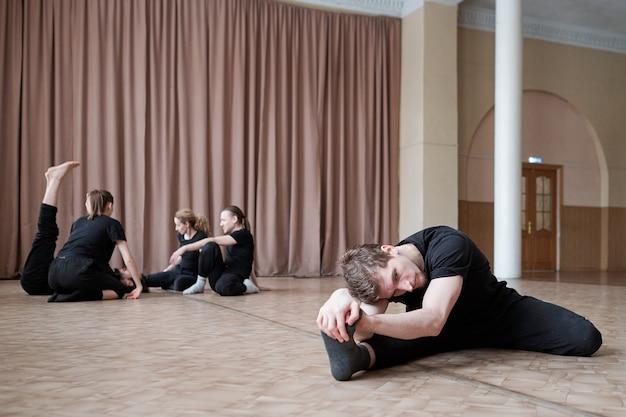 Routine mattutina di ballerini professionisti