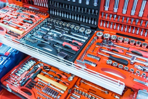 Cassette degli attrezzi professionali, toolkit per il servizio auto. attrezzatura per officina