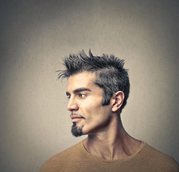 Profilo di un giovane