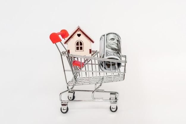 Concetto finanziario di ipoteca della casa e di investimento immobiliare. acquisto, affitto e vendita di appartamenti