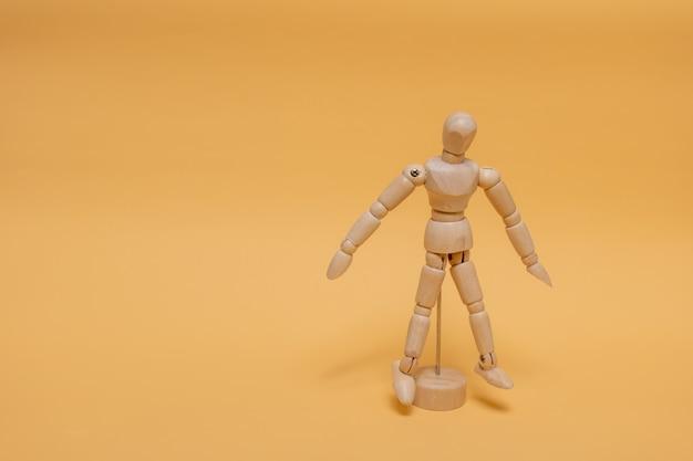 Prototipo per il disegno in piedi sullo sfondo.