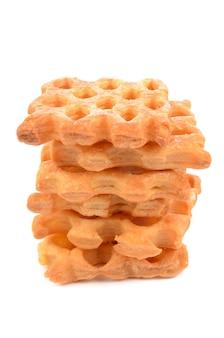 Biscotti sfoglia su uno sfondo bianco