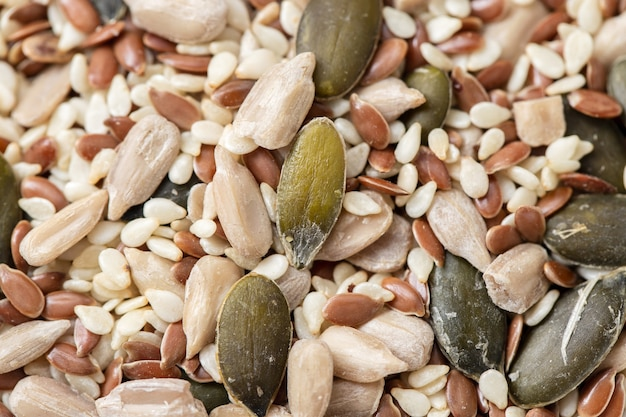 Macro di zucca, girasoli e altri semi