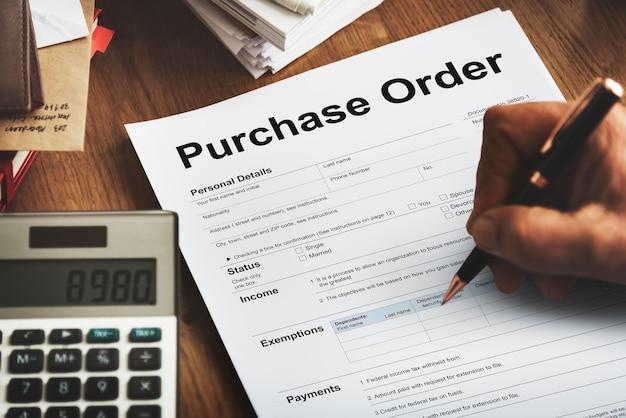 Modulo d'ordine d'acquisto concetto di busta paga