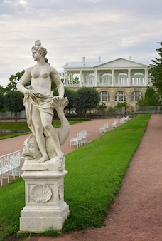 Pushkin san pietroburgo russia09032020 nereide anfitrite scultura