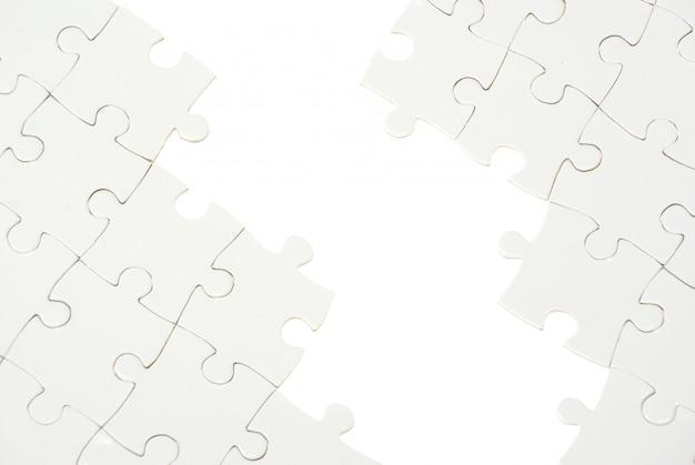 Puzzle con pezzo mancante