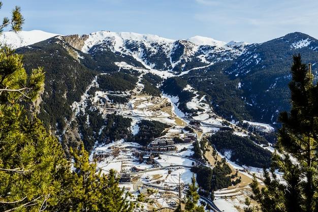 Pirenei ad andorra, vista dal mirador roc del quer (canillo)