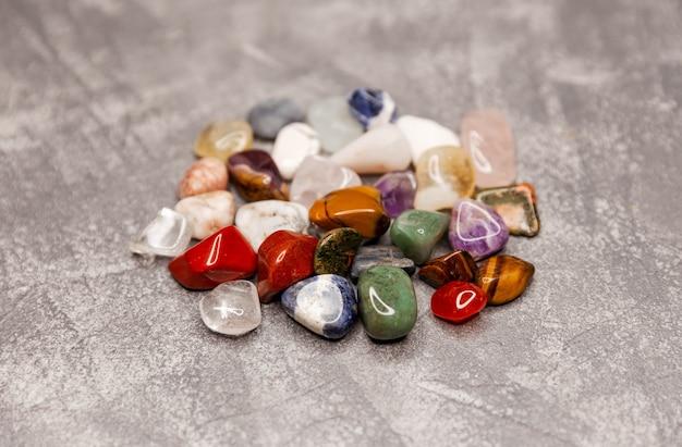 Torre di quarzo quarzo citrino naturale varietà di cristalli colorati