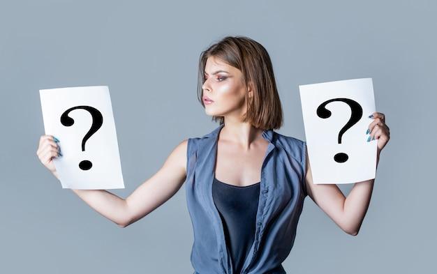Punto interrogativo, simbolo. problema di concetto impegnativo, alla ricerca della risposta