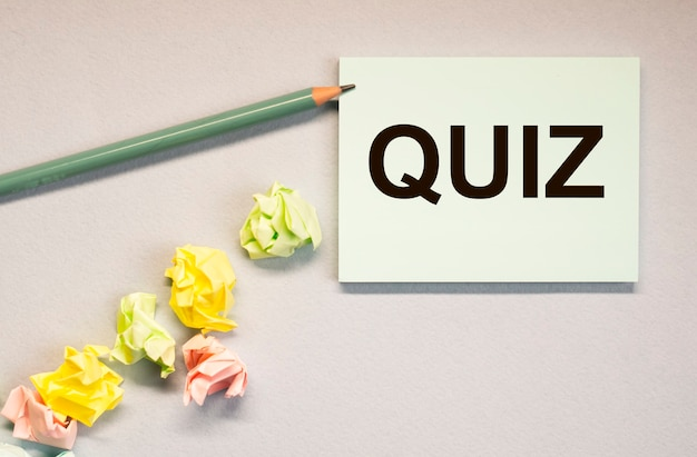 Quiz o parola di quiz, iscrizione, gioco divertente con domande.