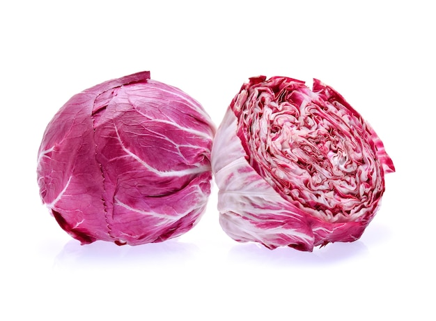 Radicchio, insalata rossa isolata