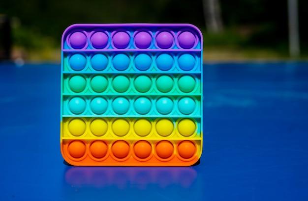 Giocattolo arcobaleno pop it fidget