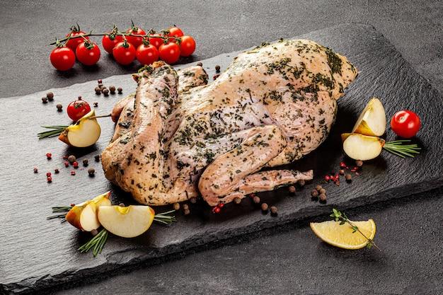 Prodotti a base di carne cruda, diverse parti del corpo