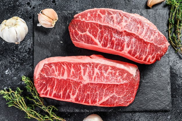 Carne biologica cruda twagyu oyster bistecca con lama superiore