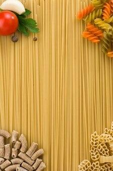 Pasta cruda e ingrediente alimentare