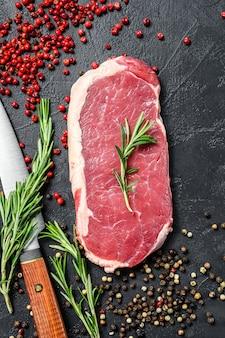 Bistecca di controfiletto crudo con spezie