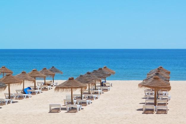Pronto per il turismo della stagione balneare. vicino al mare.