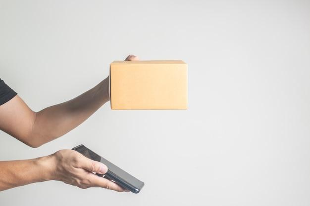 Ricevi le attività di trasporto online degli ordini di acquisto di pacchetti