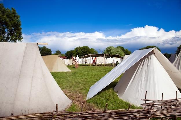 Ricostruzione dei tempi antichi, il campo tendato