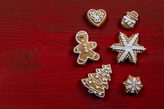 Fondo di legno rosso del regalo del biscotto