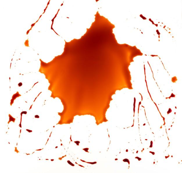 Spruzzata di vernice rossa sangue
