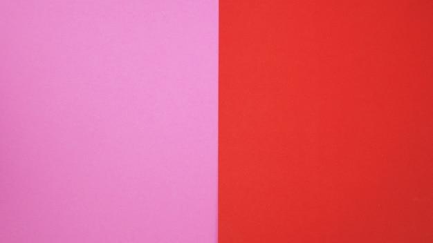 Colore rosso e carta di colore rosa per lo sfondo