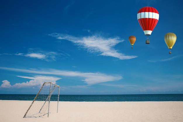 Mongolfiera rossa con sfondo spiaggia