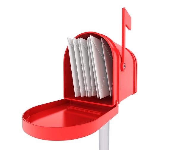 Cassetta postale rossa con un mucchio di lettere su sfondo bianco