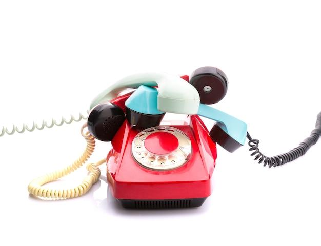 Telefono rosso su bianco