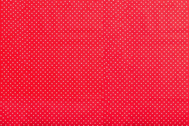 Struttura rossa con i puntini bianchi