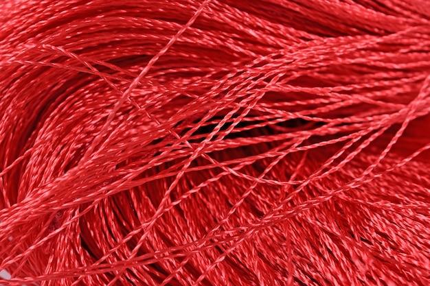 I fili rossi ci chiudono