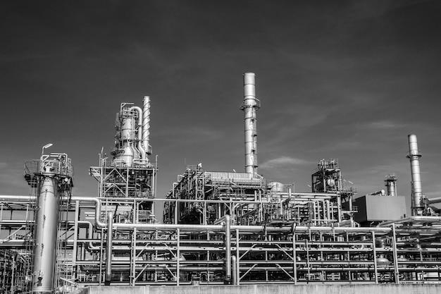 Industria di raffineria serbatoio di produzione di petrolio e pipeline.