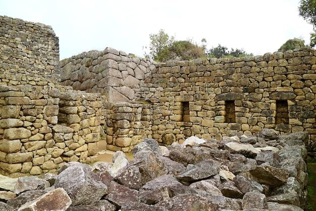 Resti della struttura a machu picchu cittadella incas sito patrimonio dell'umanità unesco in perù