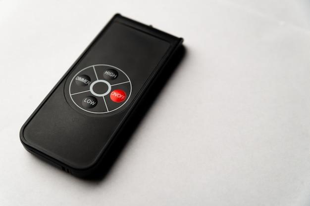 Telecomando per dispositivo isolato