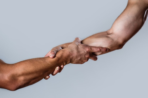 Salvataggio, gesto o mani d'aiuto