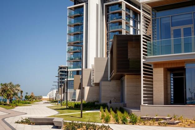 Edificio residenziale sull'isola delle acque blu a dubai