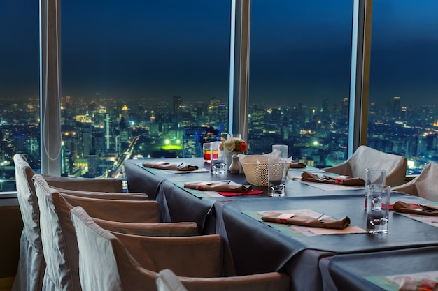 Ristorante a bangkok di notte
