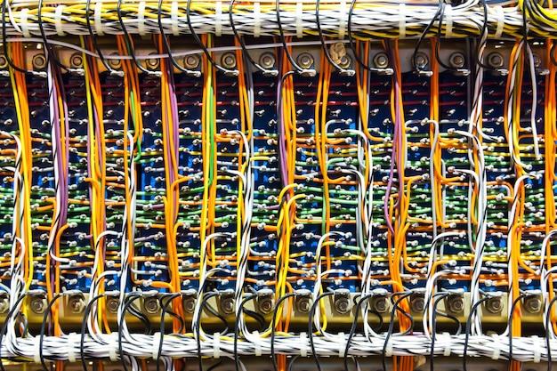Fili e cavi elettronici retrò