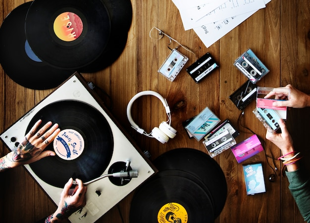 Retrò sentimento con dischi in vinile