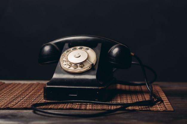 Primo piano di tecnologia di comunicazione dell'ufficio telefonico retrò